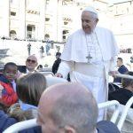 Papa: o Pai-Nosso educa quem o invoca a não multiplicar palavras vazias